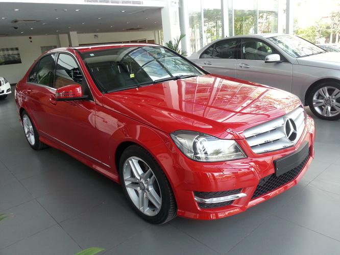 So sánh BMW 328i và Mercedes c300 amg. Đại lý bán xe mercedes tốt nhất chỉ có tại Vietnam Star Automobile Ảnh số 27994776