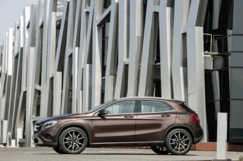 GIÁ TỐT NHẤT : Bán Mercedes GLA 200/GLA 250 4MATIC. Đại lý Mercedes CHÍNH HÃNG tại Hà Nội Ảnh số 32179437
