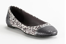 Ảnh số 18: Giày COACH Flat Shoes With Gray Sequin And Leopard Motif, - Giá: 1.100.000