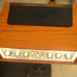 Amply Marantz model 1152 .