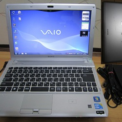Cần bán Laptop Sony Vaio VPC S129FJ Intel Core i7 M620 2.7GHz, 4GB RAM, 500GB HDD