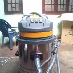 Chuyên cung cấp các loại máy làm sạch: máy rửa xe, máy hút bụi. Máy nén khí, máy ra vào tháo lắp lốp xe.....