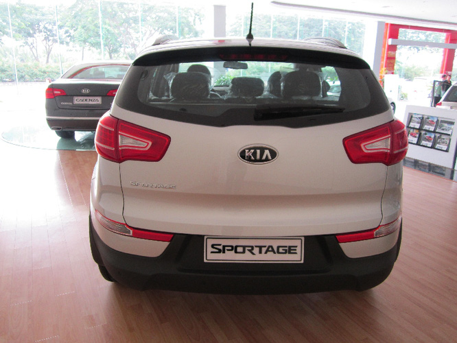 kia sportage 2013 gi xe kia sportage 2013 1 c u 2 c u. Black Bedroom Furniture Sets. Home Design Ideas